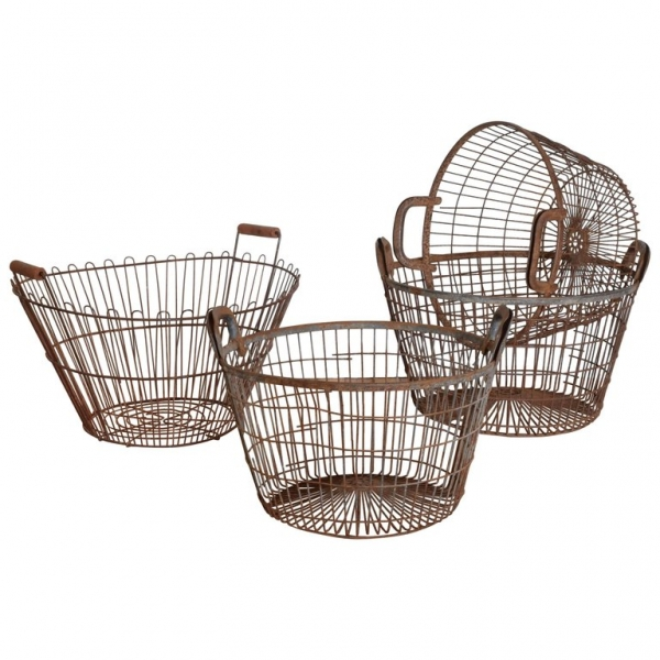 Associated Group of 4 Wire Baskets