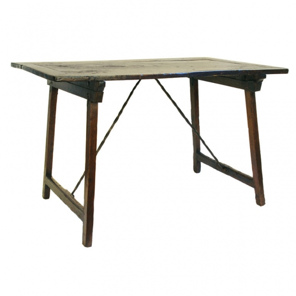 Walnut Folding Guard Room Table