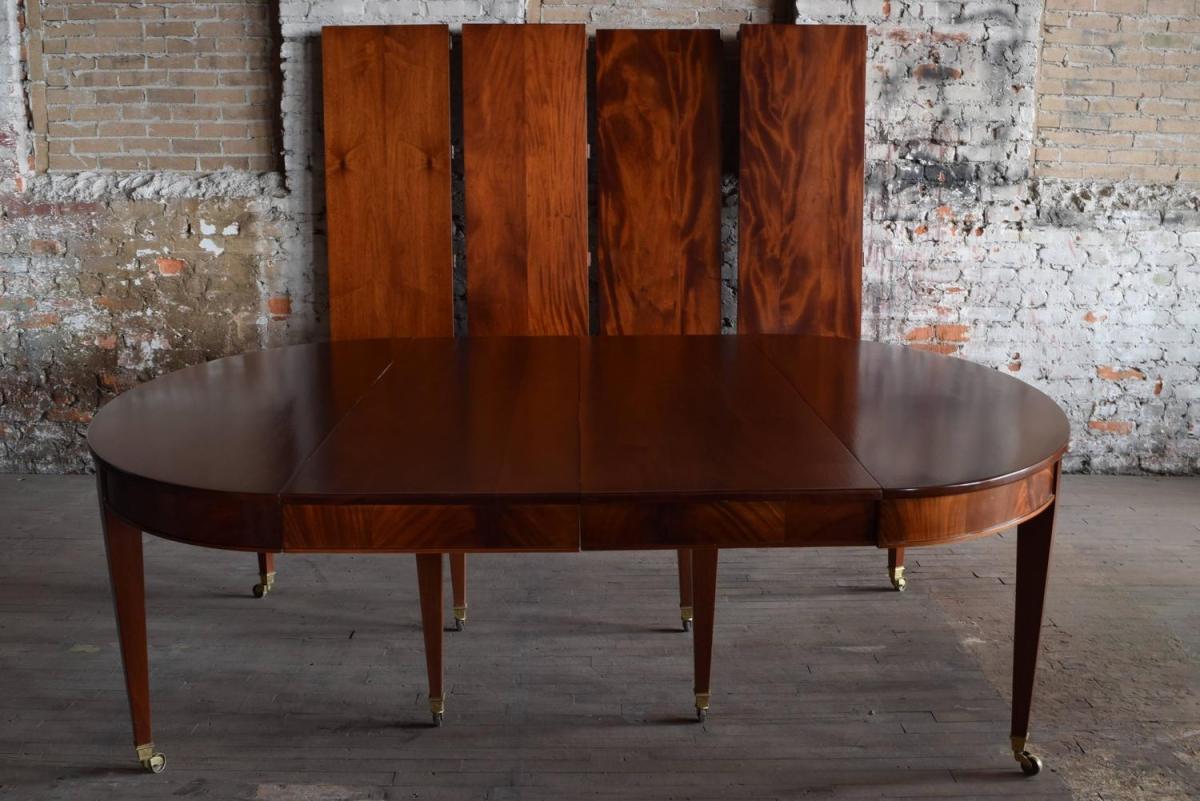 Large Mahogany Dining Table Full Apron With 6 Leaves